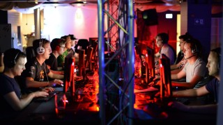 Süddeutsche Zeitung München Organisiertes Computerspielen