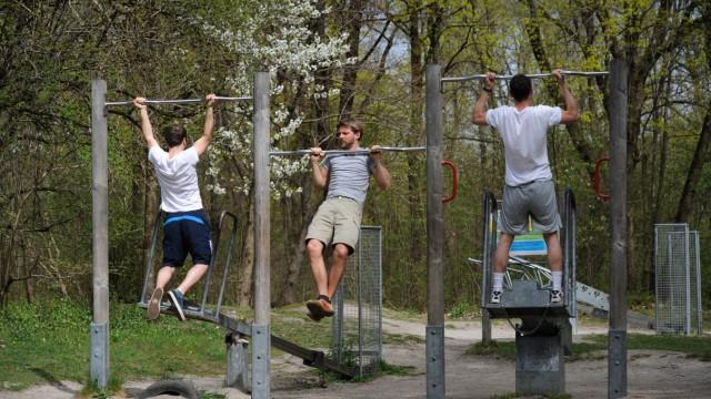 Fitnessparcours in den Isarauen in München, 2014