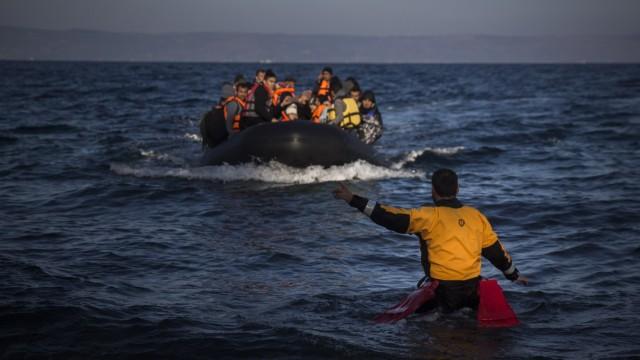 Flüchtlinge Freiwillige Helfer