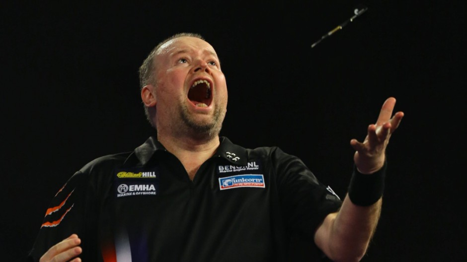 29 12 2015 Alexandra Palace London England William Hill PDC World Darts Championship Raymond va
