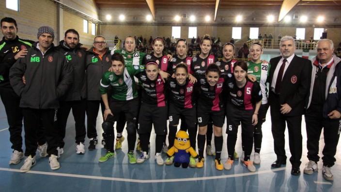 Italy, Locri (Reggio Calabria) Top womenâÄÖs soccer team Sporting Locri to disband after receiving several 'Ndrangheta mafia threats. The managers of the team under police escort
