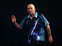 2016 William Hill PDC World Darts Championships - Day Twelve