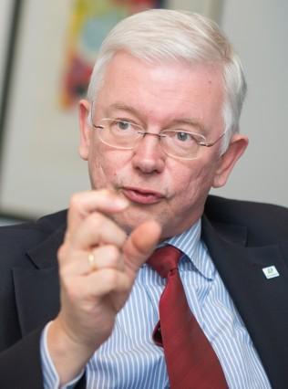 Roland Koch - Baukonzern Bilfinger
