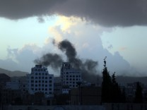 Saudi-led airstrikes continue in Yemen