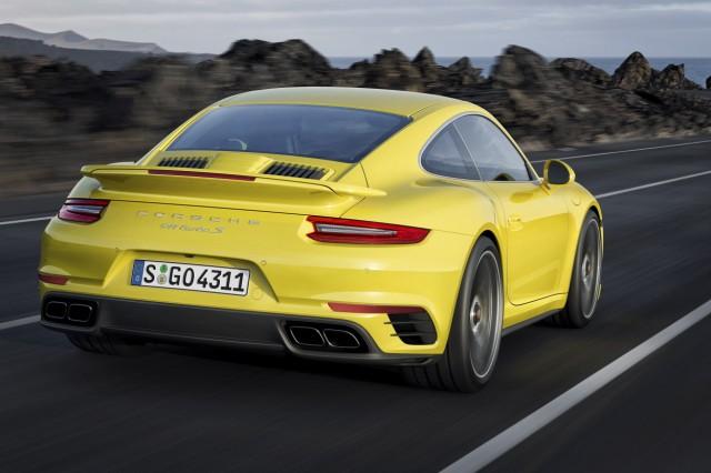 Porsche 911 Turbo in der Rückansicht