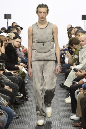 J.W. Anderson - Mens Fall 2016 Runway - London Menswear Fashion Week