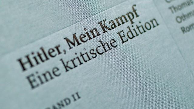 Die Neuauflage vonAdolf Hitlers Mein Kampf, die das Institut für Zeitgeschichte herausgegeben hat.