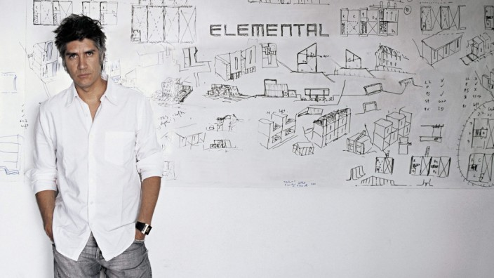 Alejandro Aravena of Chile receives 2016 Pritzker Architecture Pr