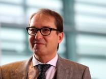 Bundesverkehrsminister Alexander Dobrindt (CSU) in Berlin