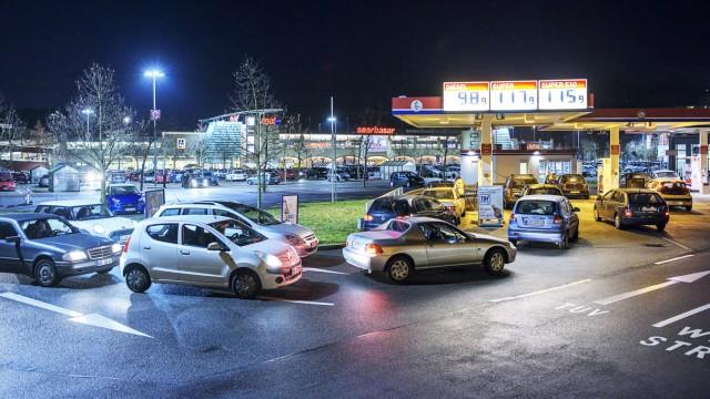 Nein dass ist nicht Luxemburg Benzinpreis deutlich unter 1 20 Euro lassen am Montag 04 01 2016 l