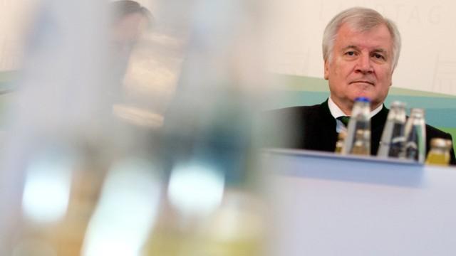 Seehofer erleidet Schwächeanfall