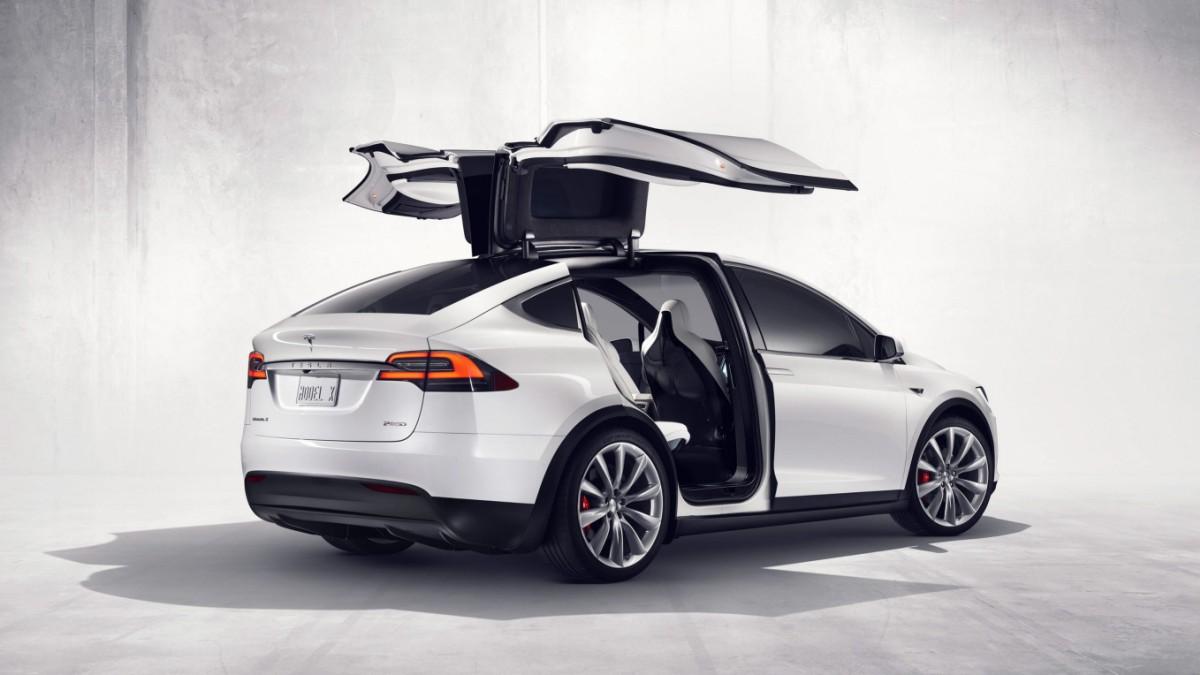 Autonomes Fahren - US-Behörden untersuchen Tesla-Unfall - Wirtschaft ...