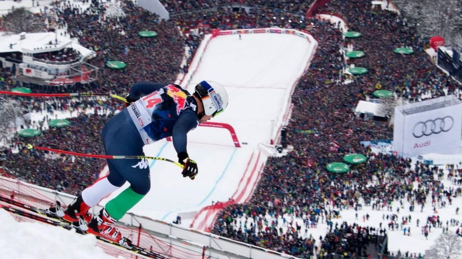 Wintersport Abfahrt in Kitzbühel