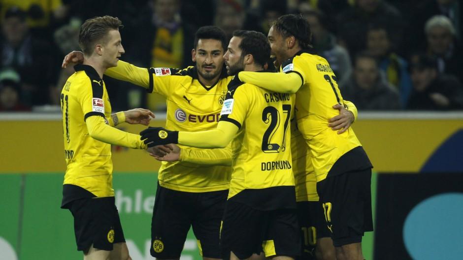 Borussia Moenchengladbach v Borussia Dortmund - German Bundesliga