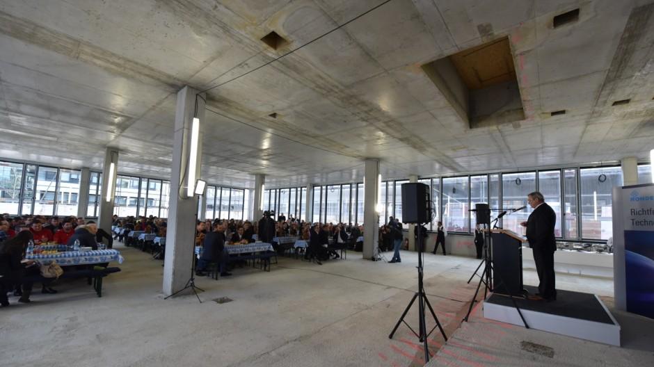 Süddeutsche Zeitung München Richtfest bei Technologie-Unternehmen