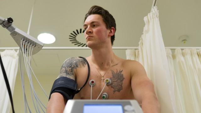 ICE HOCKEY - DEL, Medical Check of Konrad Abeltshauser; Eishockey