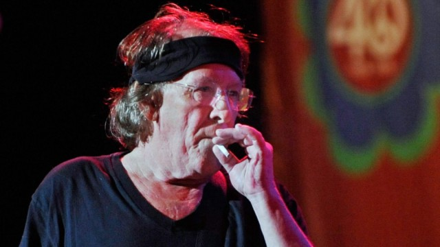 Jefferson Airplane's co-founder Paul Kantner dies 74