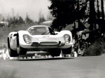 Vic Elford im Porsche 908 beim 1000-Kilometer-Rennen am Nürburgring 1968.