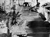 """Panzerspähwagen der SS-Division """"Hiterjugend"""", 1944"""