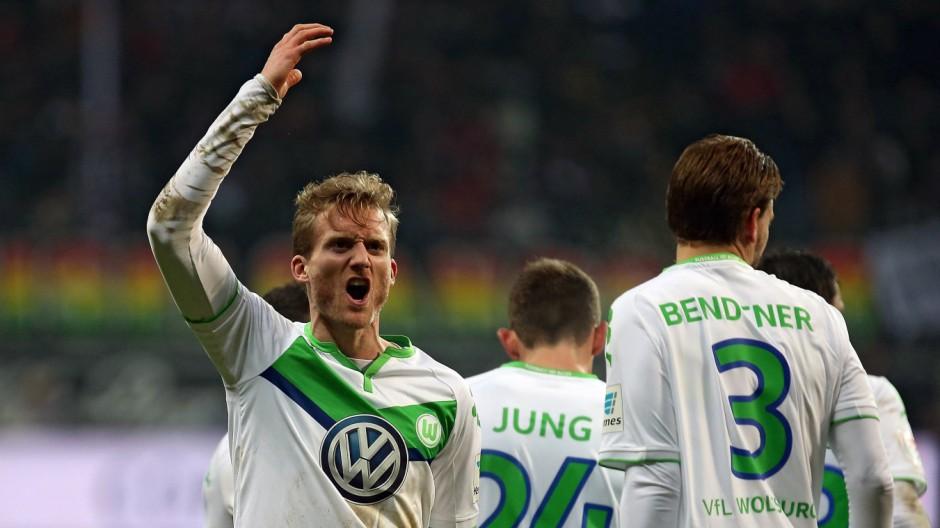 24 01 2016 xovx Fussball 1 Bundesliga Eintracht Frankfurt VfL Wolfsburg emspor Andre Schuerrl