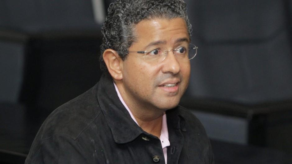 Former Salvadoran President Francisco Flores dies aged 57  6