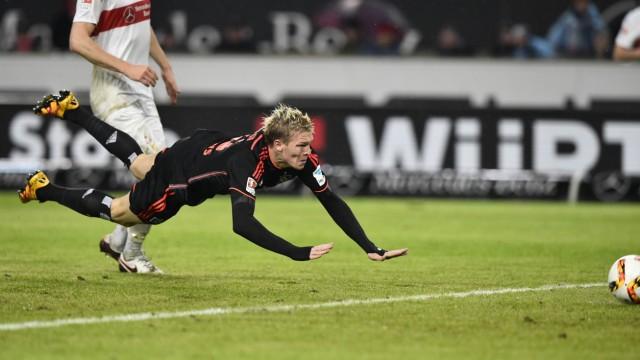 TOR zum 1 1 durch Artjoms Rudnevs HSV Hamburg Hamburger SV per Flugkopfball Kopfball vor Georg Niede