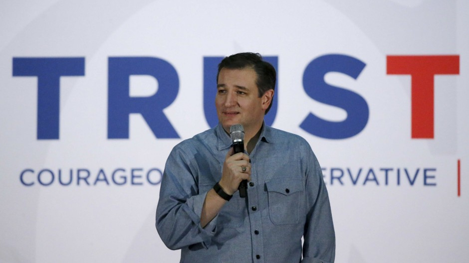 U.S. Republican presidential candidate Ted Cruz speaks at a campaign rally in Des Moines