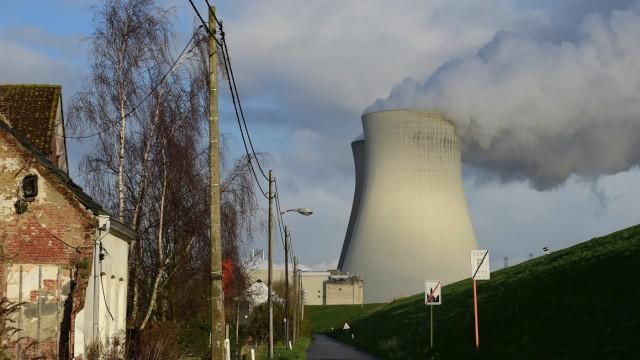 Süddeutsche Zeitung Politik Kernkraftwerke Doel und Tihange