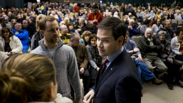 Iowa Voters Caucus In First Presidential Electoral Test