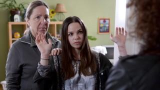 """Tatort: Sternschnuppe; Tatort """"Sternschnuppe"""" aus Wien, Susi Stach, links, und Sabrina Rupp"""