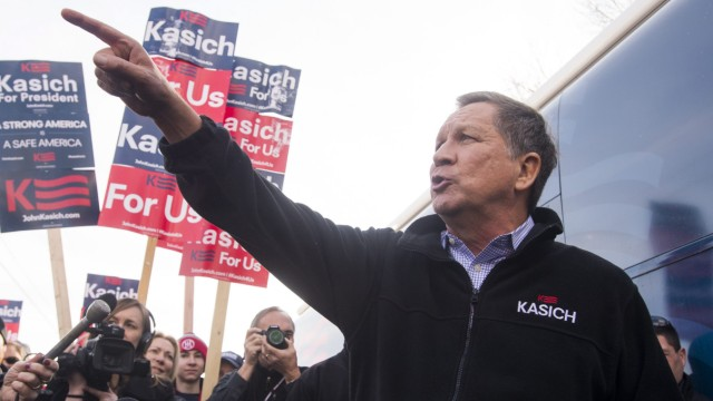 John Kasich campaigns in New Hampshire