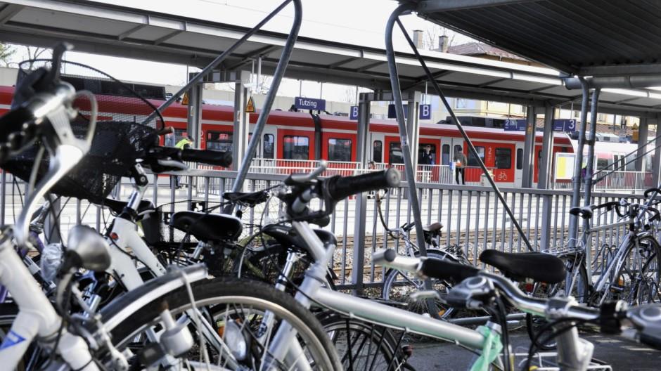 Tutzing Bahnhof Fahrräder