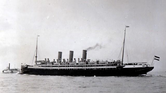 Die Augusta Victoria vor New York: Wenn der Winter eine Atlantiküberquerung unmöglich machte, fuhr das Schiff in die Sonne.