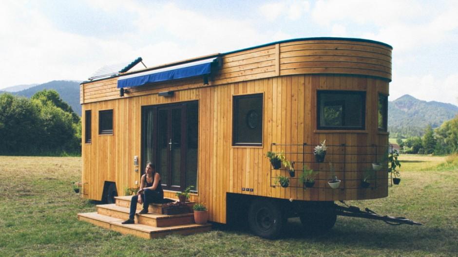 wohnwagon autark leben mitten in der natur auto mobil s. Black Bedroom Furniture Sets. Home Design Ideas