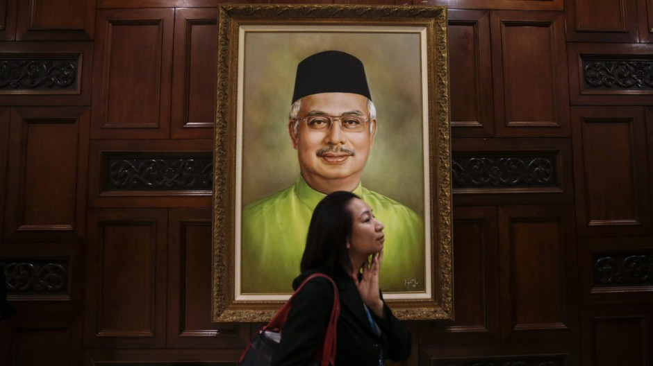 Malaysia Opposition Seeks No Confidence Vote Against Najib