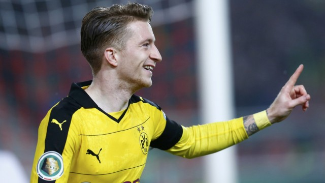 VfB Stuttgart v Borussia Dortmund  German Cup