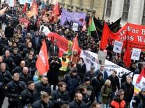 Demonstration gegen 52. Münchner Sicherheitskonferenz