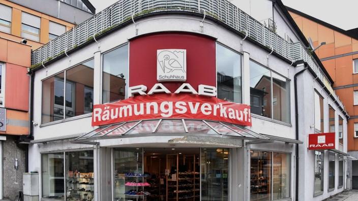 new styles 4ad56 d47bf Fürstenfeldbruck - Fußtritt für den Schuhhandel ...