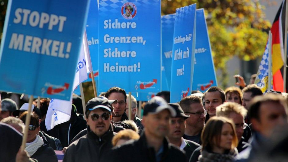Demonstration gegen Asylpolitik
