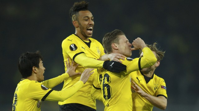 Borussia Dortmund v FC Porto -  UEFA Europa League Round of 32