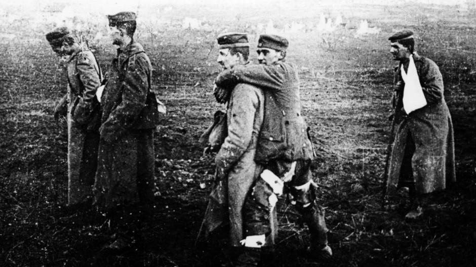 Wounded soldiers Verdun 1916 Mono Print AUFNAHMEDATUM GESCHÄTZT UnitedArchives1252194