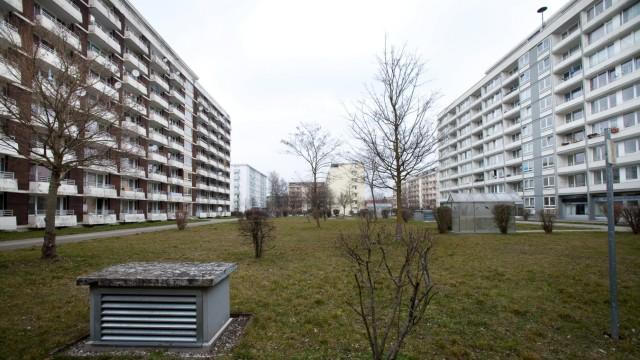 Wohnblocks: Am Stutenanger 6, 8 und 10 Oberschleißheim
