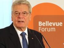 Bundespräsident Gauck eröffnet Bellevue-Forum