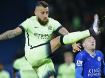 Leicester City v Manchester City - Barclays Premier League
