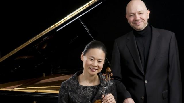 Geigerin Midori und Pianist Özgur Aydin