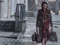 Eine Welt ohne draußen - Anne (Lea van Acken) auf dem Weg ins Amsterdamer Versteck.