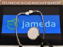 Das Internet-Portal Jameda bewertet Ärzte nach dem Schulnotenprinzip. Nicht alle Mediziner finden das gut.