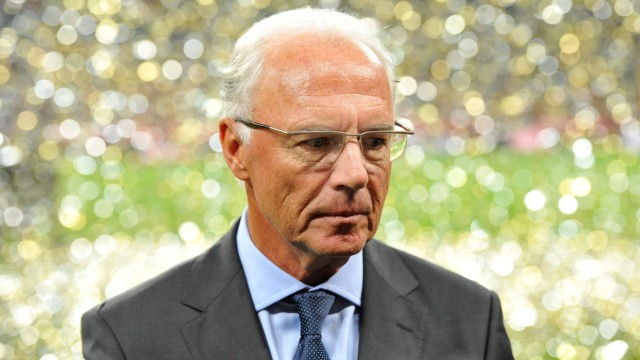 Franz Beckenbauer given warning, fine by FIFA ethics committee