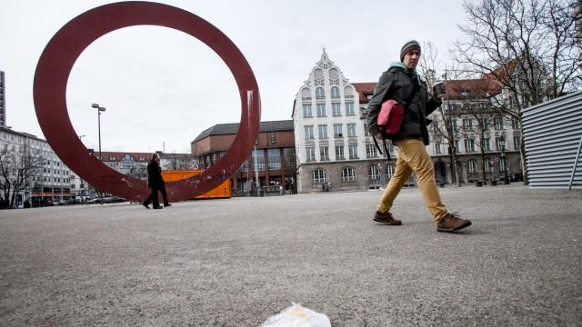 Staccioli-Ring an der Ecke Elisen-, Luisen- und Sophienstraße (Kunstplattform)