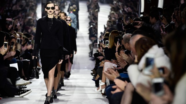**BESTPIX** Christian Dior : Runway - Paris Fashion Week Womenswear Fall/Winter 2016/2017
